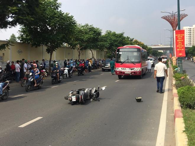 Tin tai nạn giao thông ngày 11/4/2021: Người đàn ông tử vong dưới gầm xe buýt - Ảnh 1