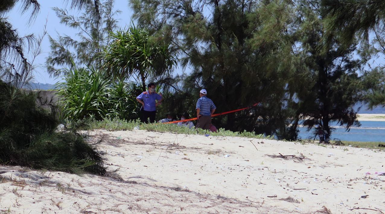 Diễn biến mới nhất vụ bé gái 13 tuổi bị sát hại, chôn xác trong rừng phi lao chấn động Phú Yên - Ảnh 1