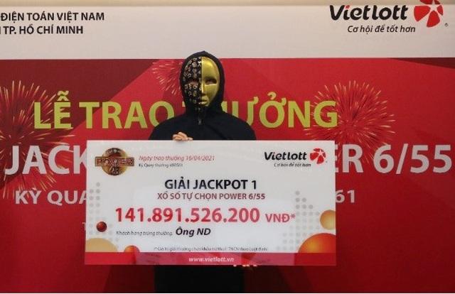 """Lộ diện chủ nhân trúng giải độc đắc Vietlott """"khủng"""" gần 142 tỷ - Ảnh 1"""