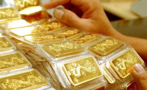 Giá vàng hôm nay 6/4/2021: Vàng SJC chênh lệch giá bán cao hơn giá mua 500.000/lượng - Ảnh 1