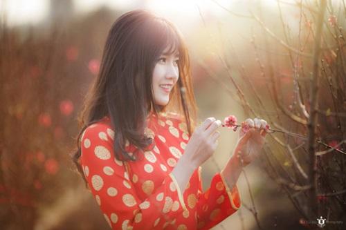"""Cận cảnh nhan sắc """"hot girl vườn đào"""" trong bộ ảnh của Reuters - Ảnh 5"""