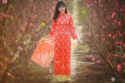 """Cận cảnh nhan sắc """"hot girl vườn đào"""" trong bộ ảnh của Reuters - Ảnh 9"""
