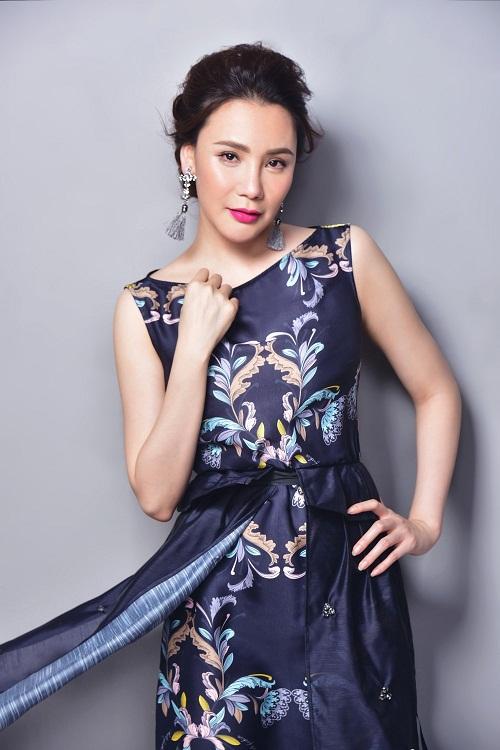 Hồ Quỳnh Hương trở lại với hit mới ngày đầu năm - Ảnh 1