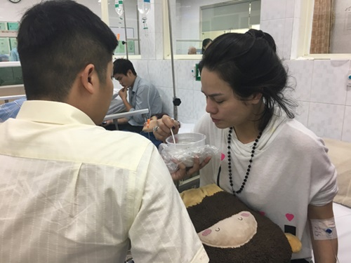 Nhật Kim Anh bị co giật, ngất xỉu trên máy bay  - Ảnh 5