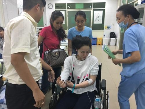 Nhật Kim Anh bị co giật, ngất xỉu trên máy bay  - Ảnh 4