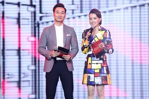 MC Thể thao của VTV bất ngờ dẫn chương trình The Remix - Ảnh 1