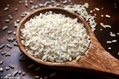 Chuyên gia khuyến cáo cách nấu cơm đúng chuẩn, loại bỏ hóa chất - Ảnh 1