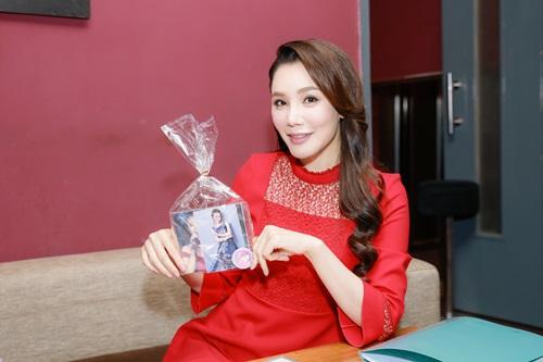 Hồ Quỳnh Hương xúc động nhớ lại thời không có tiền mua một cây kem - Ảnh 2
