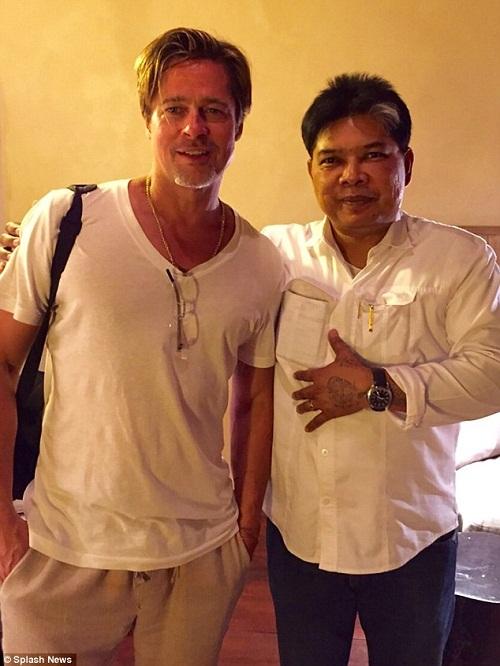 """Angelina Jolie từng xăm """"bùa yêu"""" ở Thái Lan để giữ chân Brad Pitt - Ảnh 4"""