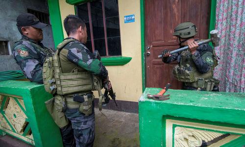 Phiến quân thân IS giết hại 13 lính Philippines, đặc nhiệm Mỹ bắt đầu hỗ trợ - Ảnh 1