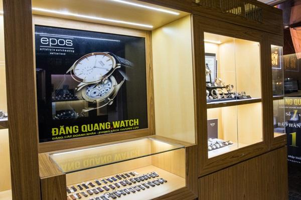 """Sự thật về vụ việc mua đồng hồ 56 triệu """"chưa dùng"""" đã hỏng - Ảnh 3"""