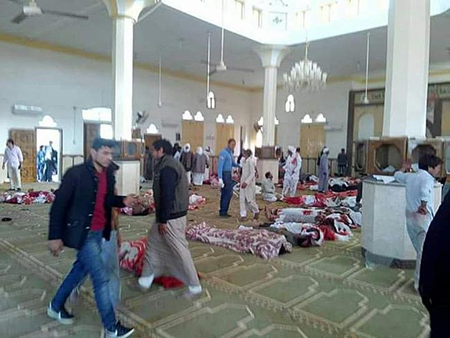 Ai Cập: Hơn 270 người thương vong sau vụ đánh bom, xả súng đẫm máu - Ảnh 1
