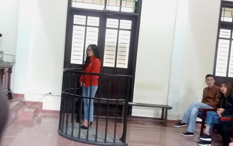 Đánh người chia sẻ bài viết về giò me dởm lên facebook, cô gái trẻ lãnh án tù - Ảnh 1