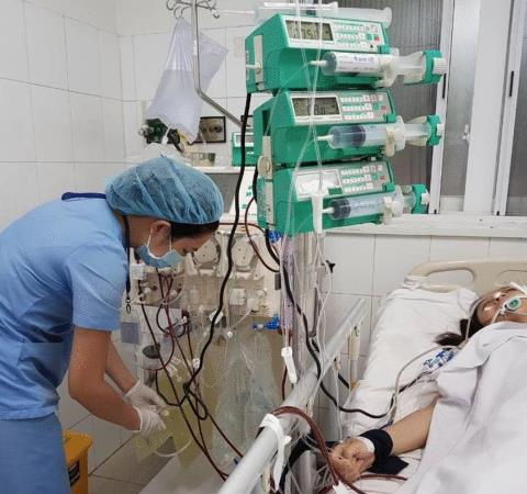 Sản phụ 3 lần ngưng tim do thuyên tắc ối may mắn được cứu sống  - Ảnh 1