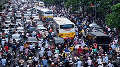 Sẽ không còn xe máy trong nội thành Hà Nội từ năm 2030? - Ảnh 1