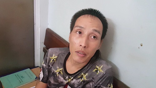 Hà Nội: CSGT bắt giữ đối tượng mang theo ma túy, bình xịt hơi cay - Ảnh 1