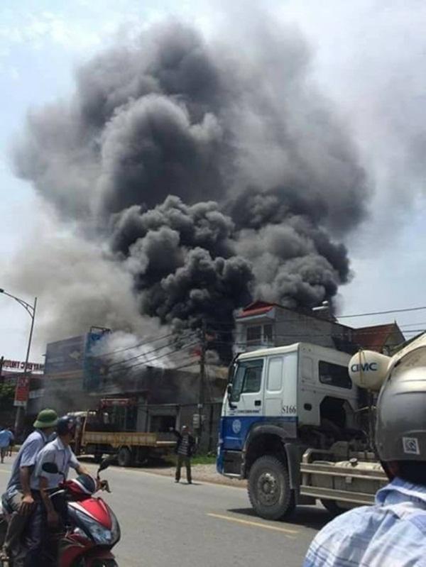 Thành ủy Hà Nội chỉ đạo cơ quan chức năng khẩn trương điều tra vụ cháy ở Hoài Đức - Ảnh 1