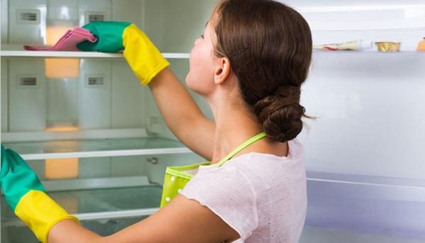 Tủ lạnh sẽ không còn mùi với những cách làm không phải ai cũng biết - Ảnh 4
