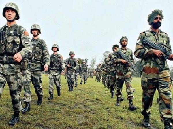 Trung Quốc tập bắn đạn thật ở biên giới Ấn Độ - Ảnh 2