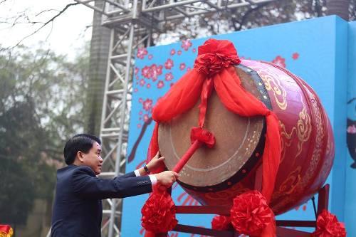 Lần đầu tiên Hà Nội tổ chức Lễ hội bơi chải thuyền rồng trên hồ Tây - Ảnh 4
