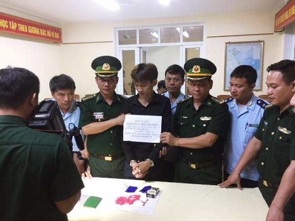 Hà Tĩnh: Bắt giữ đối tượng 9X cất giấu 431 viên hồng phiến - Ảnh 1
