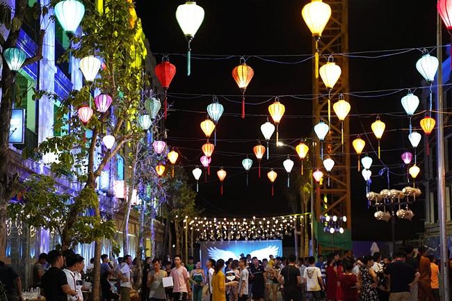 Eurowindow Garden City: Sôi động giao dịch nhà phố thương mại 2 mặt tiền - Ảnh 1