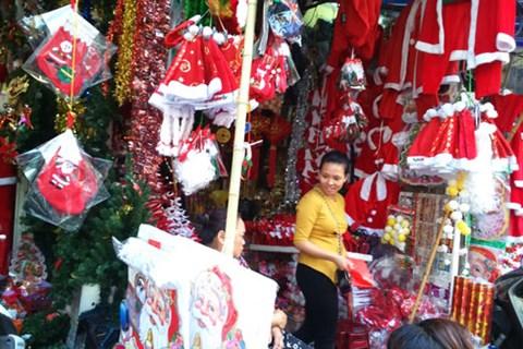 Không khí Giáng sinh lung linh sắc màu trên khắp cả nước - Ảnh 1