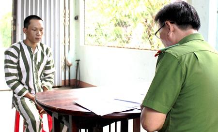 Phú Yên: Khởi tố nhóm thanh niên chém trưởng công an xã trọng thương - Ảnh 1
