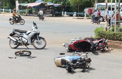 Mùng 3 Tết Nguyên đán: 38 người tử vong vì tai nạn giao thông - Ảnh 1