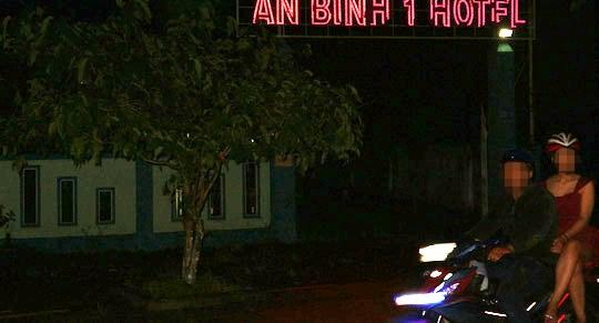 Tạm giữ nam thanh niên giết người tình trong khách sạn - Ảnh 1