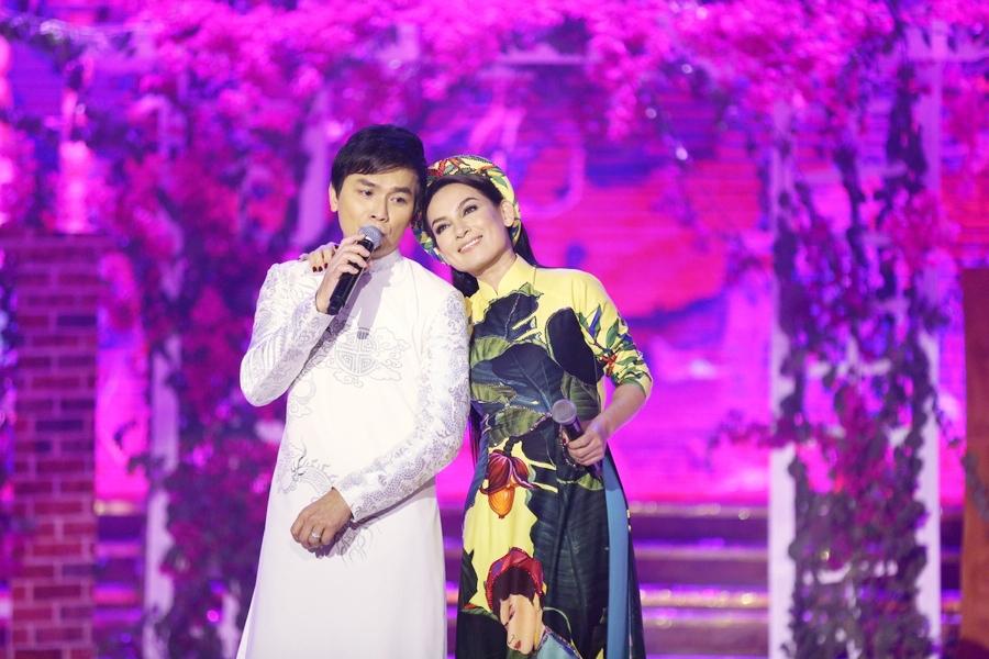 """Phi Nhung tái hợp """"người yêu không bao giờ yêu và người chồng không bao giờ cưới"""" ở Quảng Trị - Ảnh 2"""