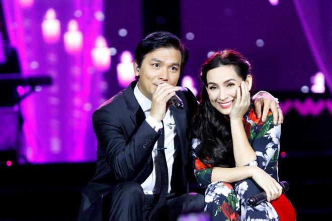 """Phi Nhung tái hợp """"người yêu không bao giờ yêu và người chồng không bao giờ cưới"""" ở Quảng Trị - Ảnh 1"""