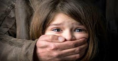 """""""Đạo tặc"""" đột nhập nhà dân, khống chế bé gái làm con tin - Ảnh 1"""