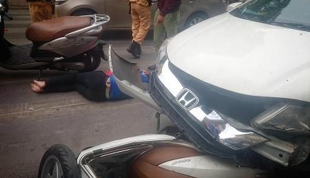 Hà Nội: Xế hộp gây tai nạn liên hoàn ngày mùng 6 Tết, nhiều người nhập viện - Ảnh 2