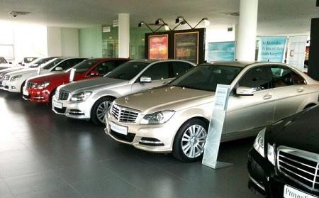 Thuế giảm, giá xe ô tô con giảm trung bình 240 triệu đồng/chiếc - Ảnh 1