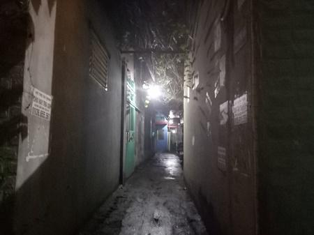 Cảnh sát điều tra vụ nổ súng trong khu dân cư - Ảnh 1