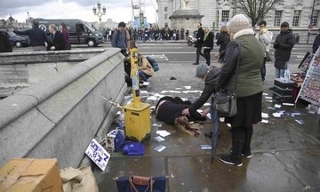 Vụ khủng bố bên ngoài tòa nhà Quốc hội Anh qua lời kể của nhân chứng - Ảnh 1