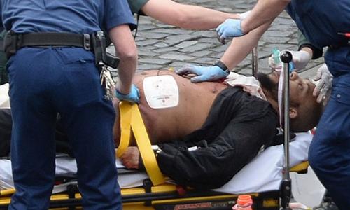 Kẻ tấn công khủng bố gần tòa nhà Quốc hội Anh đã cải sang đạo Hồi - Ảnh 1