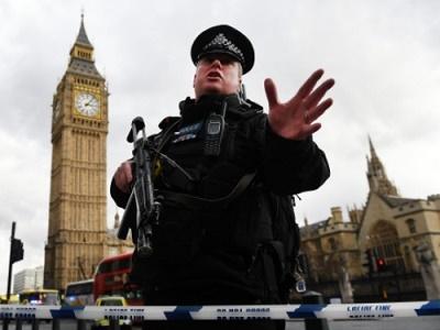 Thêm 2 người trong vụ khủng bố gần tòa nhà Quốc hội Anh bị bắt  - Ảnh 1
