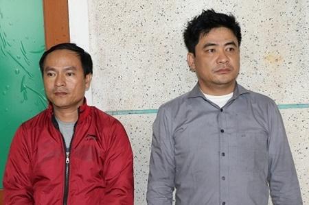 Bị kiểm tra do nghi mua dâm, hai người đàn ông lăng mạ cảnh sát - Ảnh 1