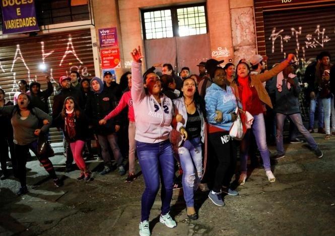 Lo ngại đình công,, Brazil bịt kín cửa nhà Quốc hội  - Ảnh 2