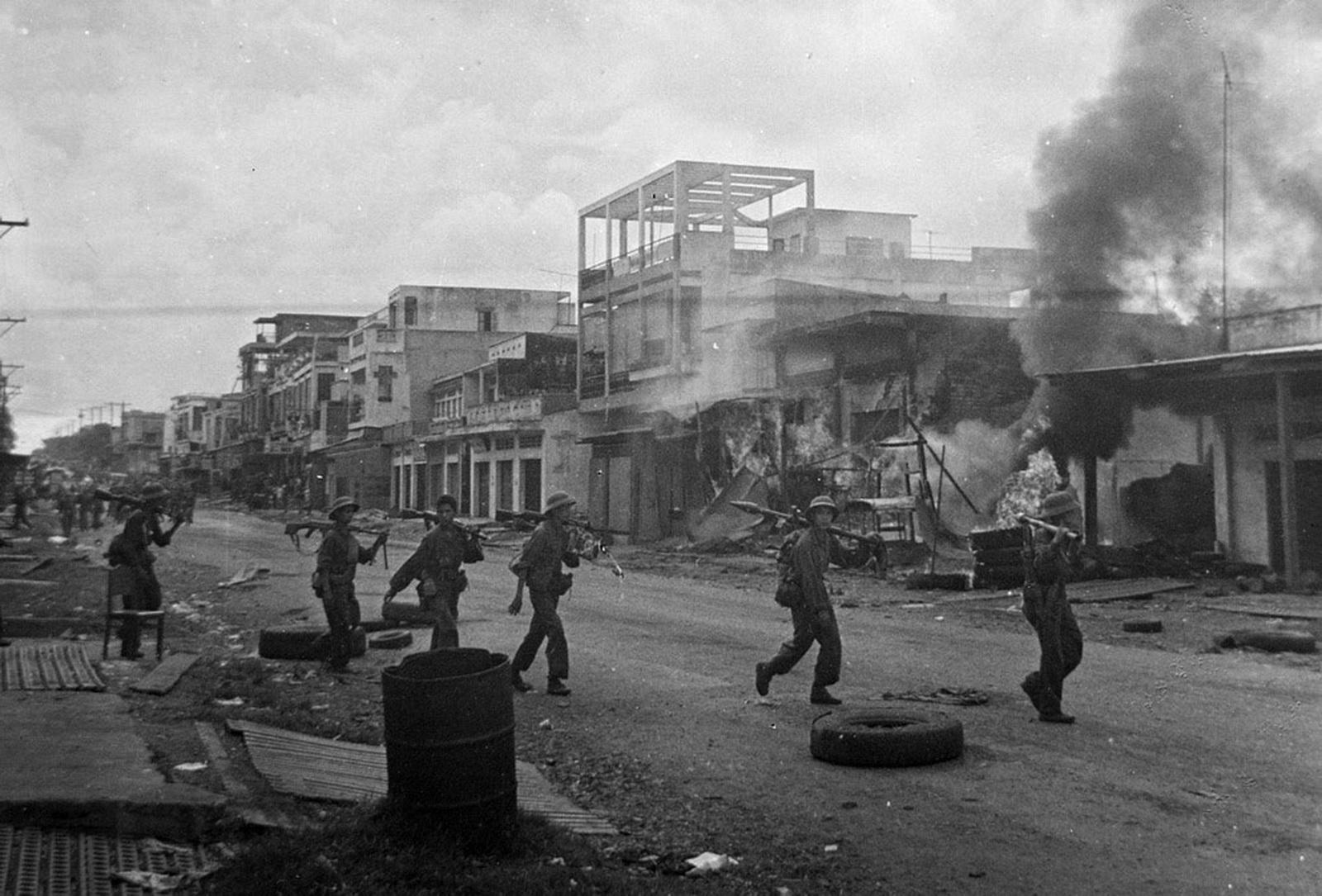 Chiến thắng vĩ đại Mùa Xuân 1975 Giải phóng miền Nam, thống nhất Tổ quốc - Ảnh 1