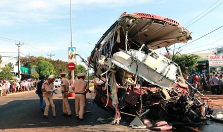 Những dấu hiệu bất thường của chiếc xe tải gây tai nạn khiến 13 người tử vong ở Gia Lai - Ảnh 1