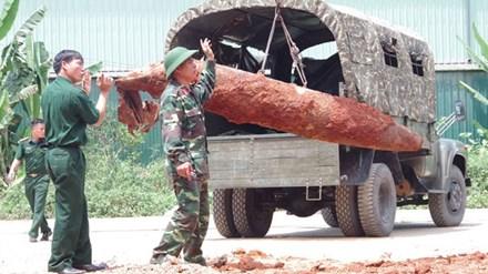 """Phát hiện quả bom """"khủng"""" nặng gần 500kg giữa trung tâm TP Hạ Long - Ảnh 1"""
