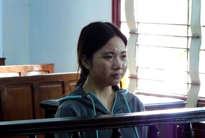 Nhậu say gây tai nạn chết người, nữ sinh viên khóc nức nở tại tòa - Ảnh 1