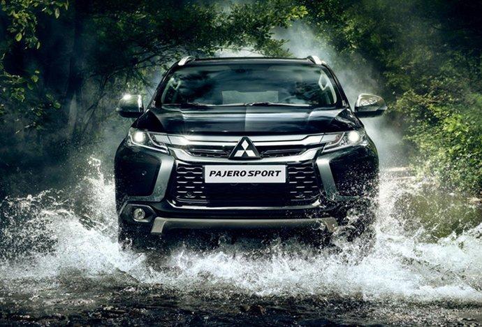 """Mitsubishi Pajero Sport """"đại hạ giá"""" gần 200 triệu, """"quyết chiến"""" Toyota Fortuner - Ảnh 1"""