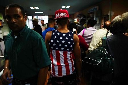 Tổng thống Obama chấm dứt chính sách cho người nhập cư Cuba ở lại Mỹ - Ảnh 1