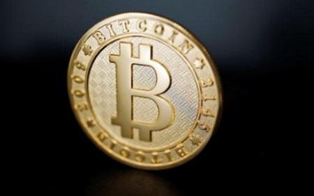 Nga cấm mua bán tiền ảo, giá Bitcoin giảm sâu xuống còn 4200 USD - Ảnh 1