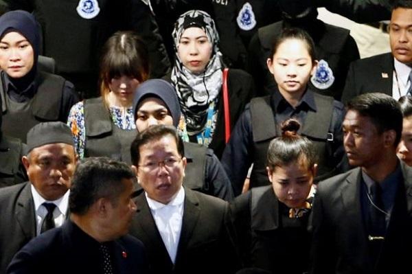 Hỗn loạn tại hiện trường tái hiện vụ sát hại người nghi là anh trai ông Kim Jong-un  - Ảnh 1