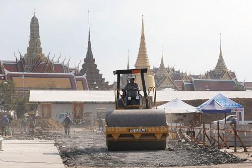 Nhìn lại một năm của người Thái Lan khi Quốc vương Bhumibol qua đời - Ảnh 8